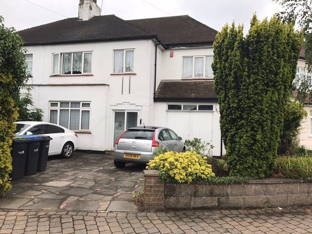 4 bedroom semi detached property in En1